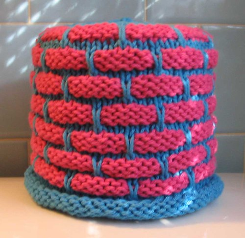 Knitting Pattern For Toilet Paper Holder : hakucho: Ball Band Toilet Paper Cover Pattern