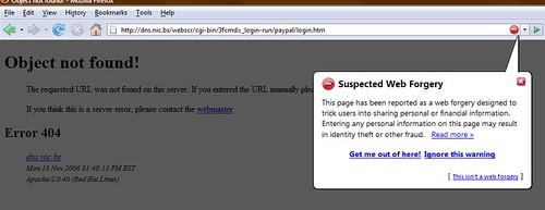 Firefox 2.0 blocking the paypal phishing site