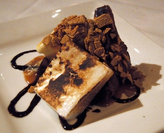 Caramel brownie s'more