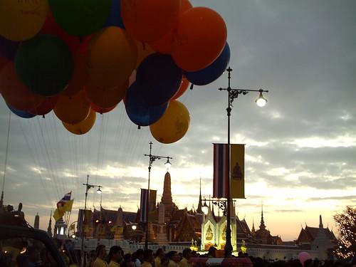 2006 12 05 anniversaire du roi (46)