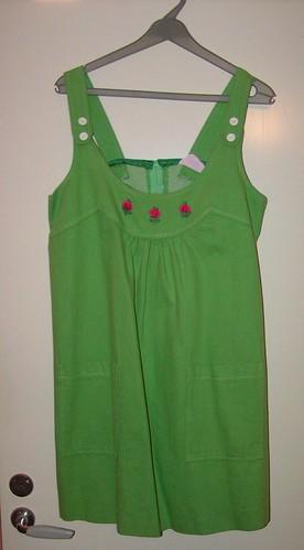 Illgrön mammaklänning från 1973.