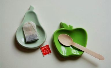 Yoyo Ceramics_Apple & Pear_Spoon Rest & Tea Bag Dish (Kitche