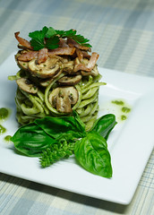 Linguine Pesto with white wine sauteed swiss brown mushrooms and crispy bacon