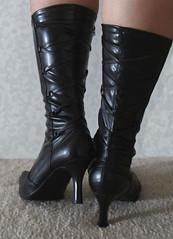 kengät takaa