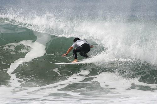 251332440 f2ec368507 LA ZURRIOLA RECIBE CON OLAS POTENTES LA TERCERA PRUEBA DEL IX CIRCUITO BALLANTINE'S GO SURF   Marketing Digital Surfing Agencia
