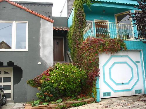 2 sideyard