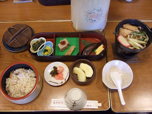 在山寺吃的午餐