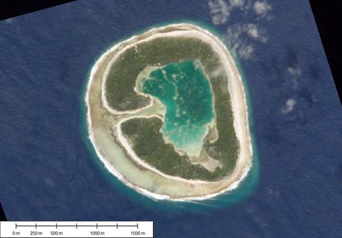 Pinaki Atoll - Shuttle Image ISS-004-E-12986 (1-15,625)