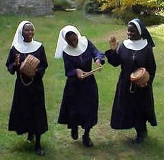 malawi_dancing_sisters