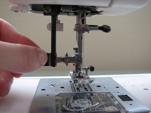 My Sewing Machine And How I Make Trebuchet Slings Evil Mad Interesting Sewing Machine Automatic Threader