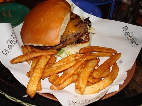 Hamburger at Mugshots