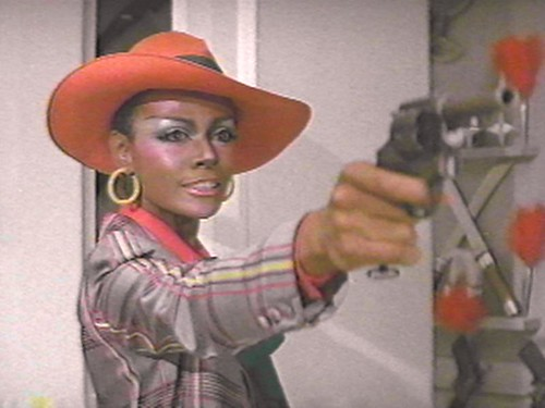 Cleopatra_Jones_And_The_Casino_Of_Gold_02