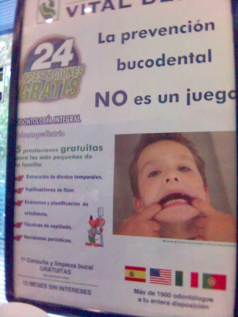 Cartel en Vital Dent