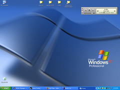 Clean W-xp Desktop