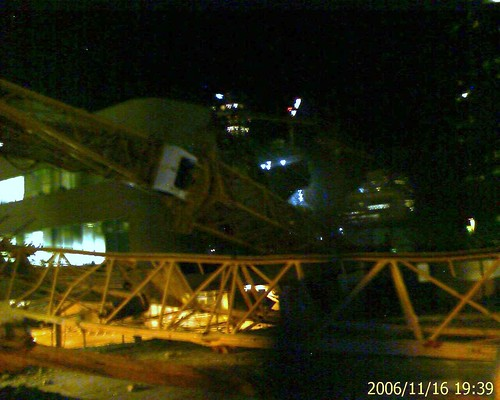Crane accident in Bellevue 2