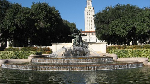 Water Fountain in the center of UT Austin