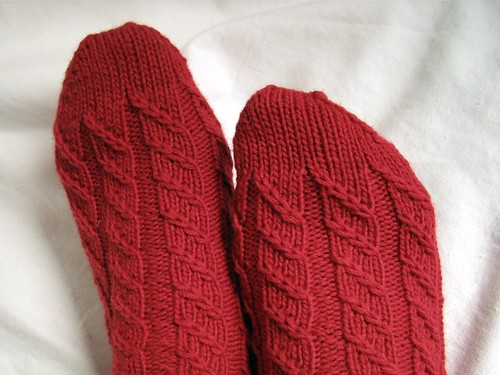 cable twist socks toe