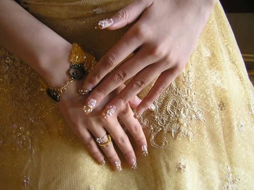 新娘的水晶指甲
