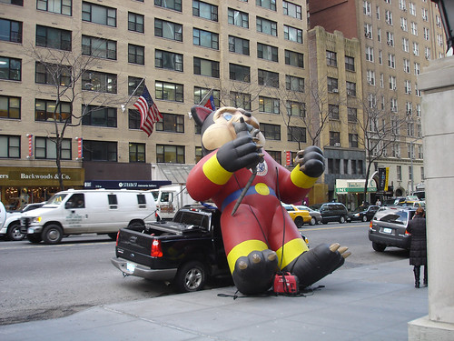 at first i thought this was an anti-union inflatable rat.