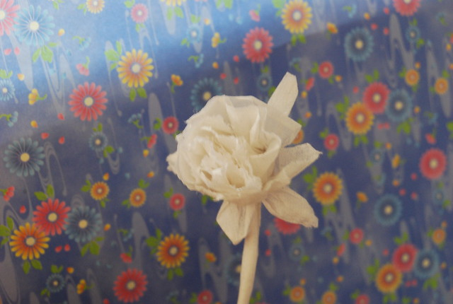 how to make a rose out of a napkin