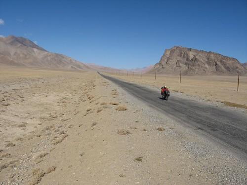 Near Murghab, Tajikistan / ムルガブ町付近、タジキスタン