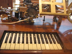 [Museum für Kommunikation telegraph keyboard]