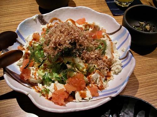 海ぶどうと島豆腐サラダ