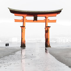 Itsukushima Torii : Miyajima, Hiroshima, Japan / Japón photo by Lost in Japan, by Miguel Michán