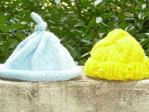 2 baby hats