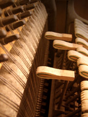 180px-Piano_hammers
