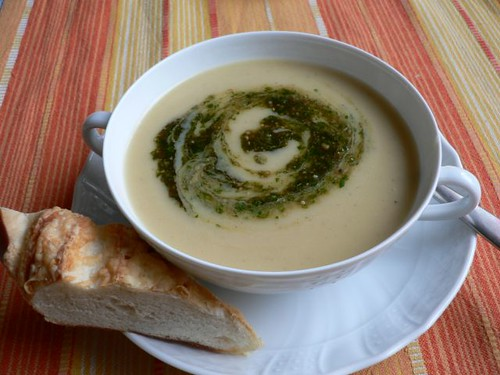 Potato soup with parsley pesto