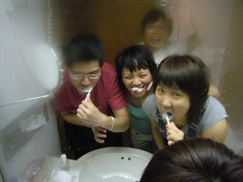 晚上要刷牙