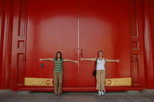 kim_jeanette_red_doors_1
