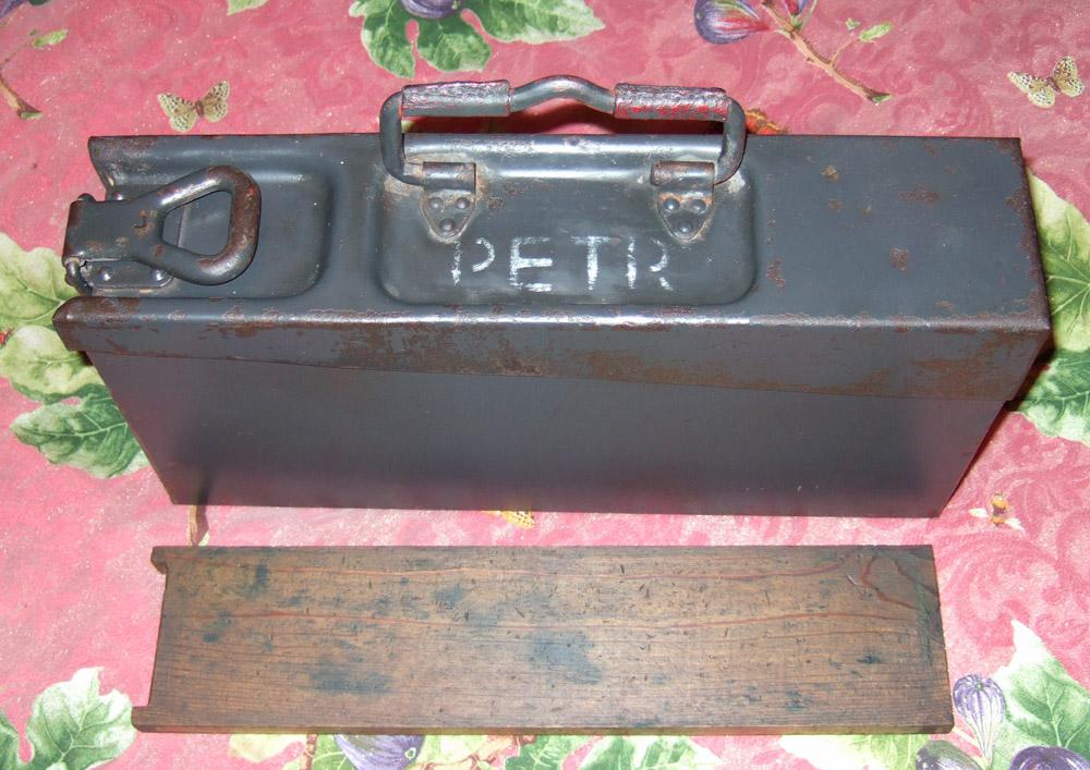 Archive militariacollec afficher le sujet caisse mg42 - Bidon de petrole ...