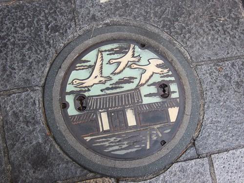 香梅咲門前的水溝蓋