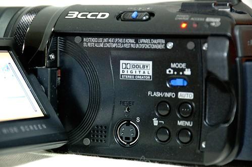 JVC  Evrio GZ-MG505US