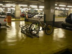 Sítio para bicicletas no Parque de Estacionamento do C.C. Colombo