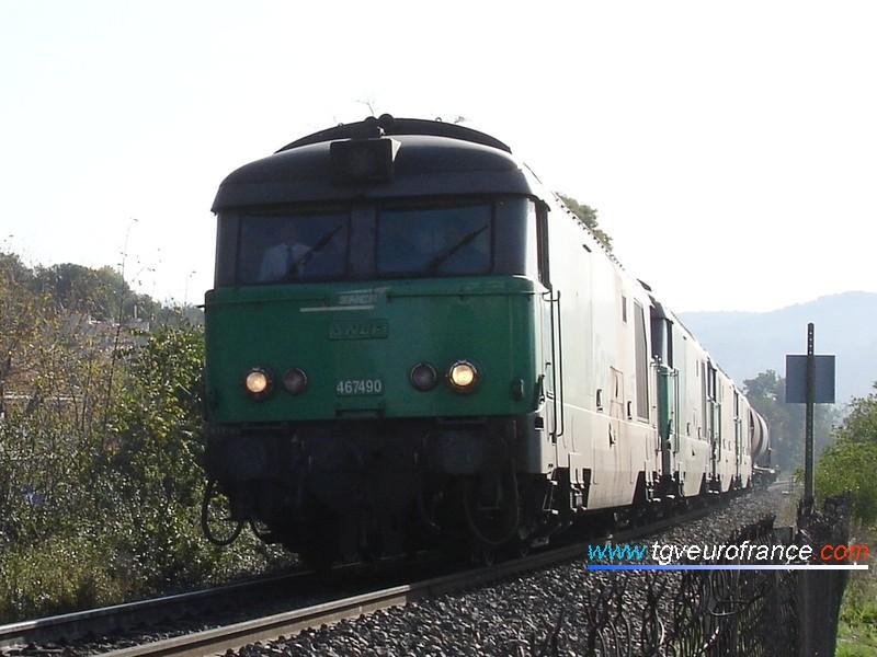 Une UM de BB67400 FRET SNCF (la BB 67490 de Nevers) avec une autre UM de BB67400 en CV