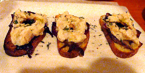mozza crostini