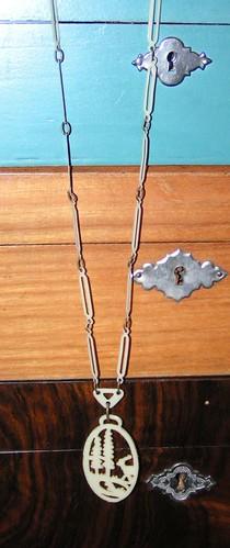 Halsband med rådjur1.