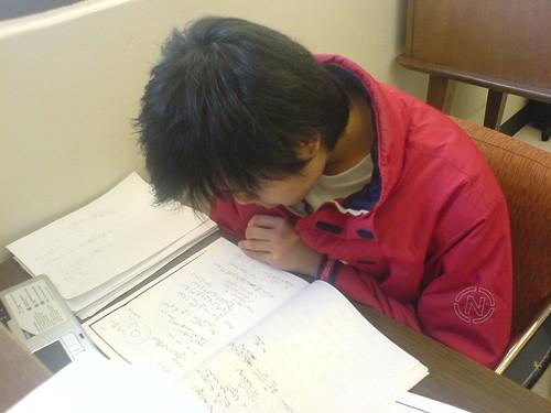 上課在睡覺,現在才苦讀