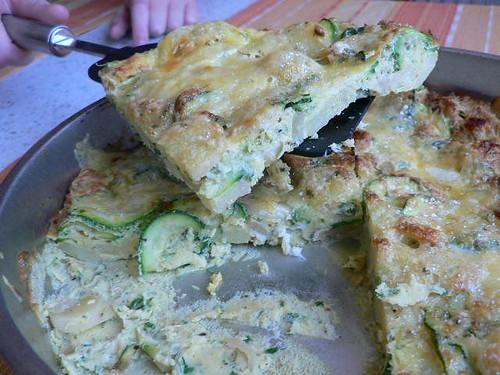 Courgette, potato & parsley frittata