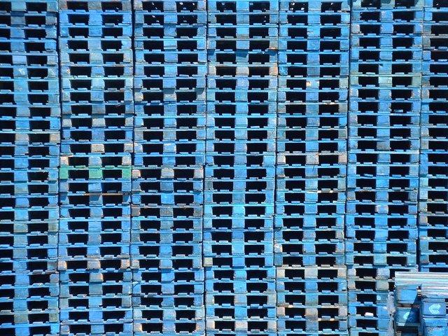 paletes em azul