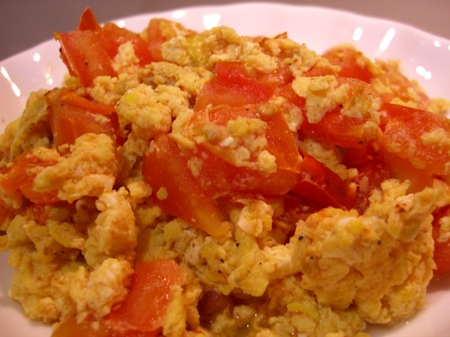 stir-fried eggs with tomatoes