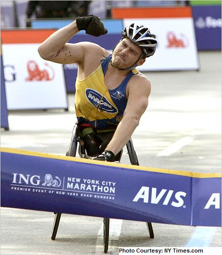 2006 NYC Marathon - Kurt Fearnley of Australia