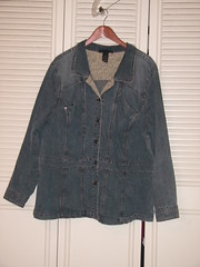 PENDING: Fitted Jean Jacket - LB 26/28 - $20