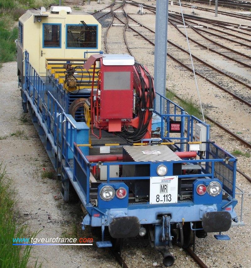 Une draisine DU 94 (la 8-113) en gare d'Aubagne