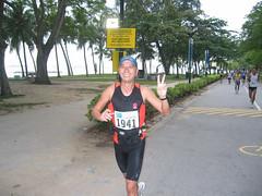 S'pore Marathon 3 Dec 06 pic 0073(2)