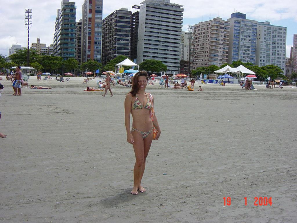 Edifícios tortos da praia de Santos SP photo by nlimonge
