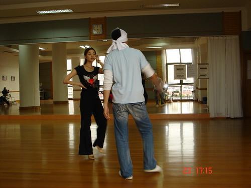 大会]那个很多明星跳舞的舞林大会~我看到了钟汉良!